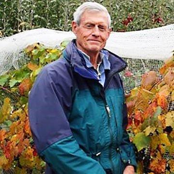 Quadrant Australia Farming & Innovation Tasmania-Hugh MacTier Tour Escort